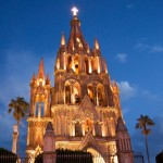 La Parroquia San Miguel de Allende at Night
